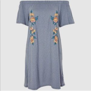 Topshop Embroidered Off the Shoulder Dress Size 2